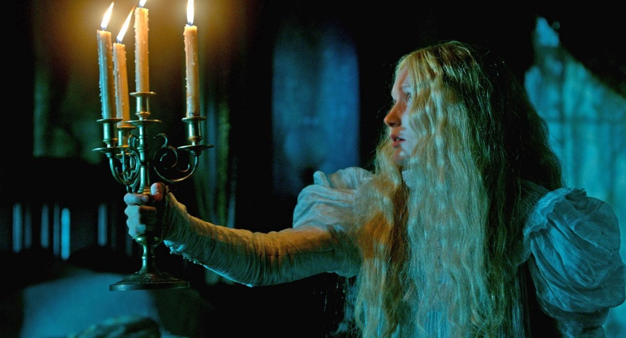 crimson-peak-1-credit-legendary-pictures-and-universal-pictures