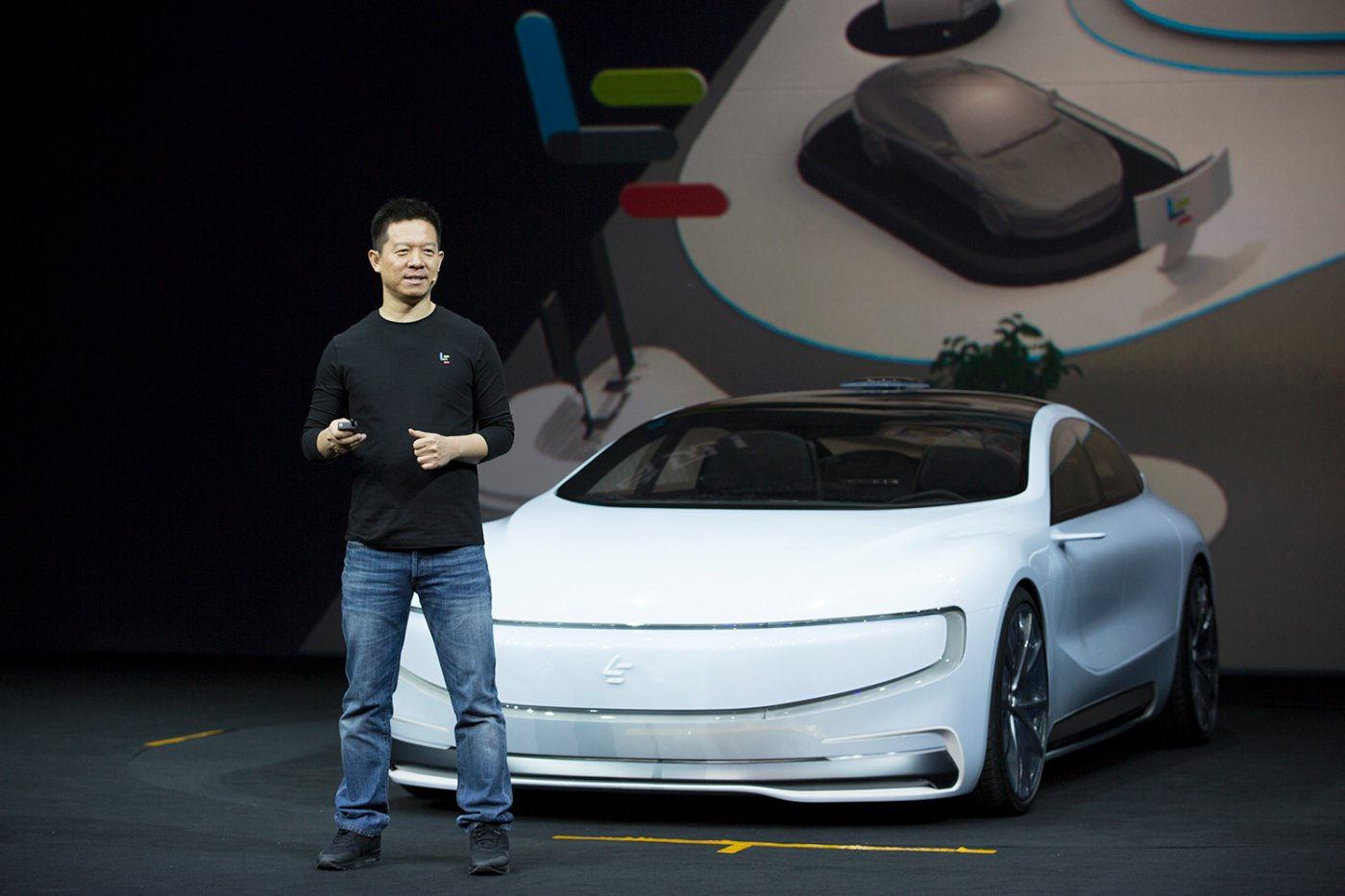 LeEco Reveals Smartphone Controlled Electric Car 5