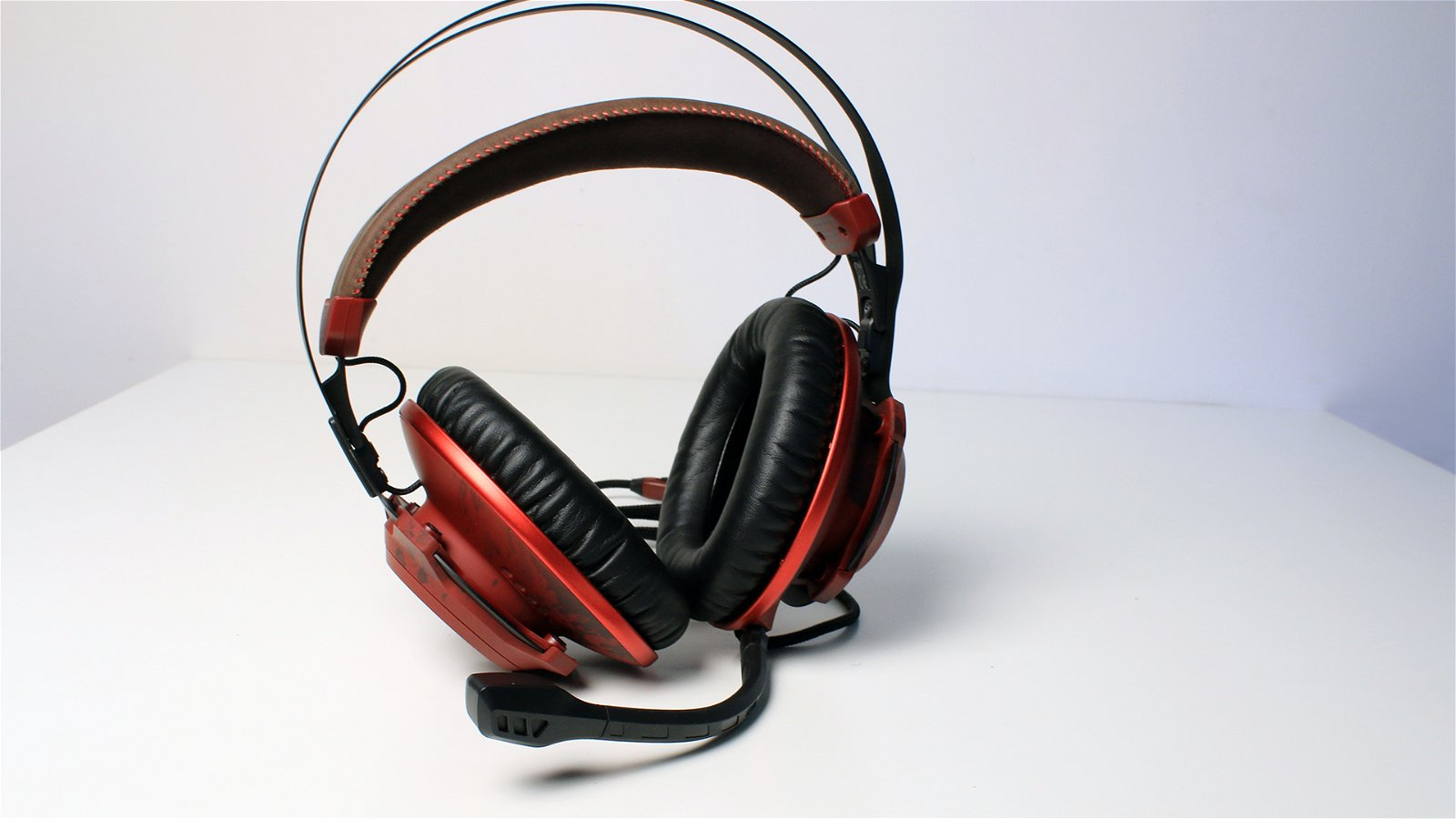 HyperX CloudX Revolver Gears of War (Headset) Review 10