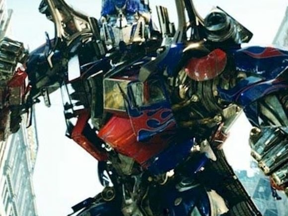 The Decepticons invade Earth in the newest Transformers trailer