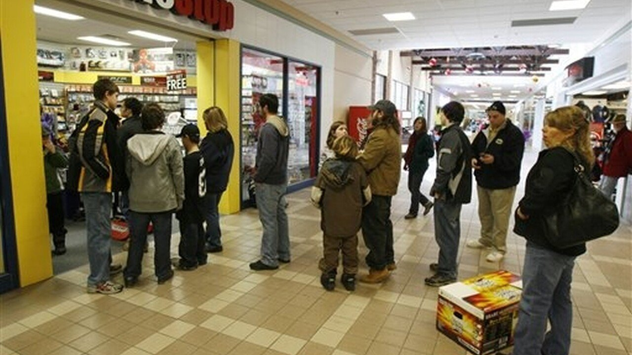 Canadian In-Store Black Friday Game Sales - 2012-11-22 17:31:46