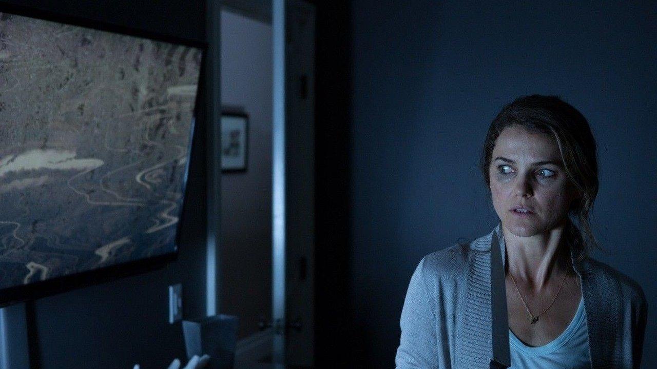Dark Skies (2013) Review 5