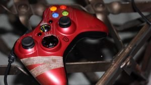 Limited edition Lara Croft Xbox controller unveiled - 2013-02-20 18:18:42