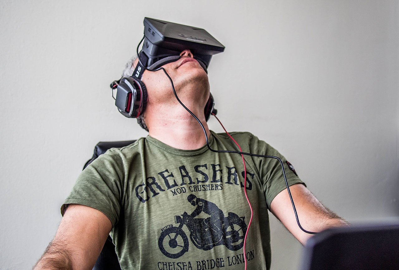 Does Vive Upstage Oculus Rift? 4