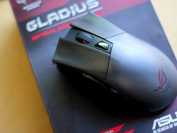 ASUS Gladius Mouse (Hardware) Review 3