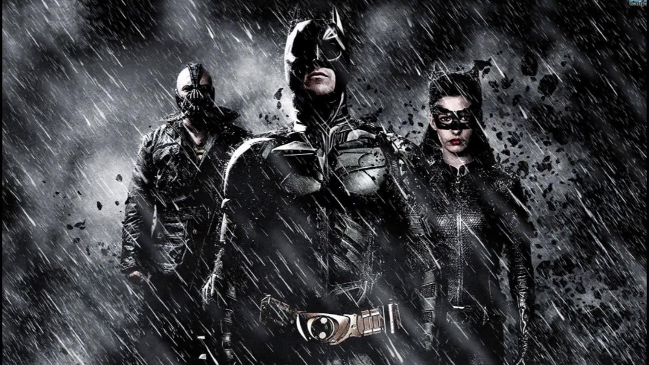 DC Is Winning The Costume War 6