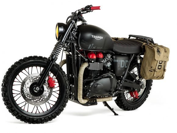 Triumph Unveils 'Venom' Custom Bike Based on MGS V: The Phantom Pain - 2015-06-09 13:36:40