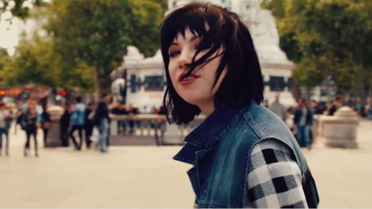 Carly Rae Jepsen Unveils Interactive Music Video - 2015-10-23 08:29:52