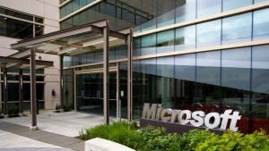 Microsoft Q1 Report: Xbox sales down 17% - 2015-10-22 17:27:45