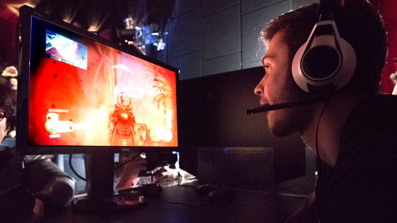 Cineplex Gambles on eSports in a Big Way