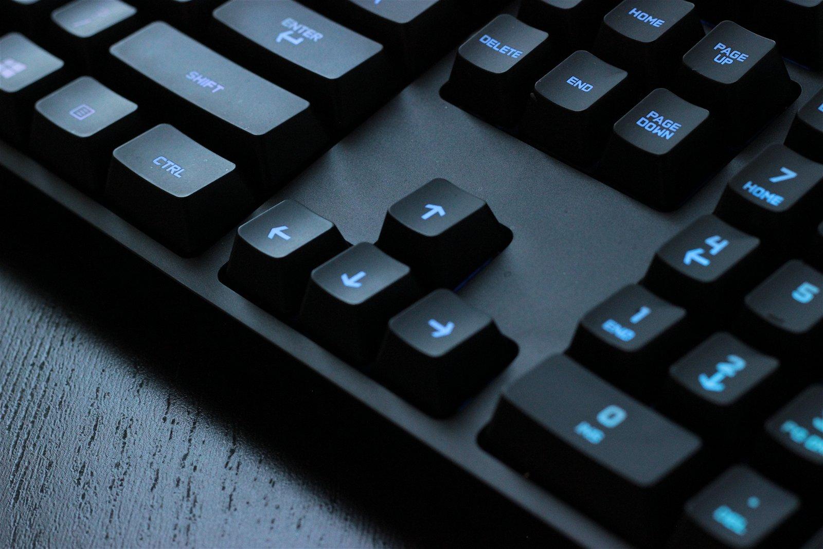 Logitech G810 Orion Spectrum Mechanical Keyboard Review 2