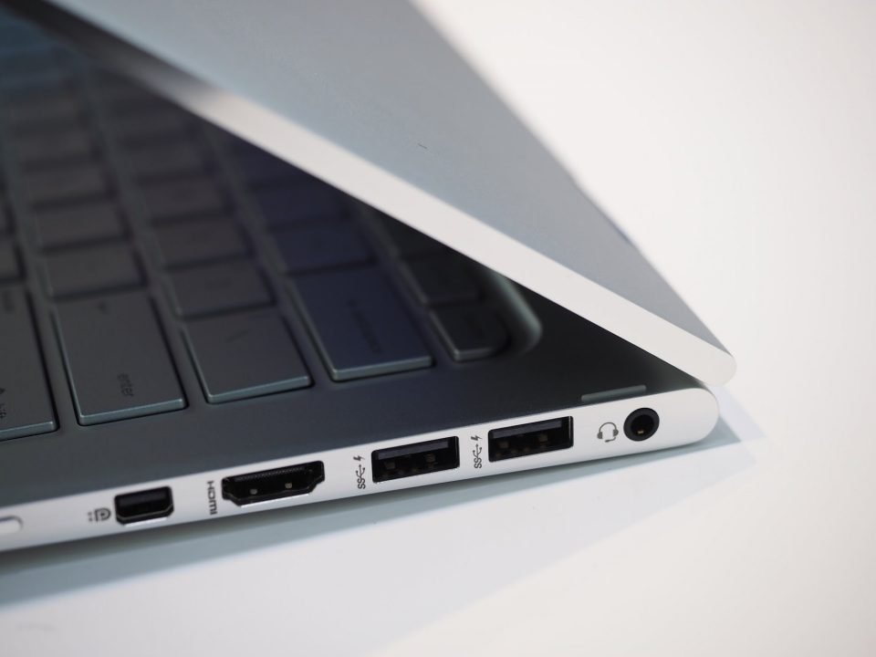 Hp Spectre Pro X360 G1(Hardware) Review 6