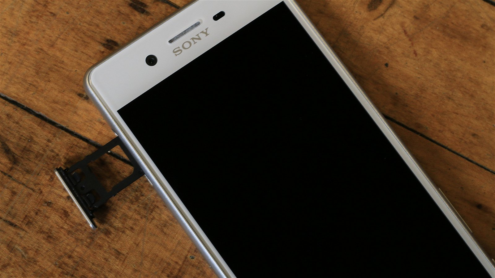 Sony Xperia X Performance (Phone) Review 8