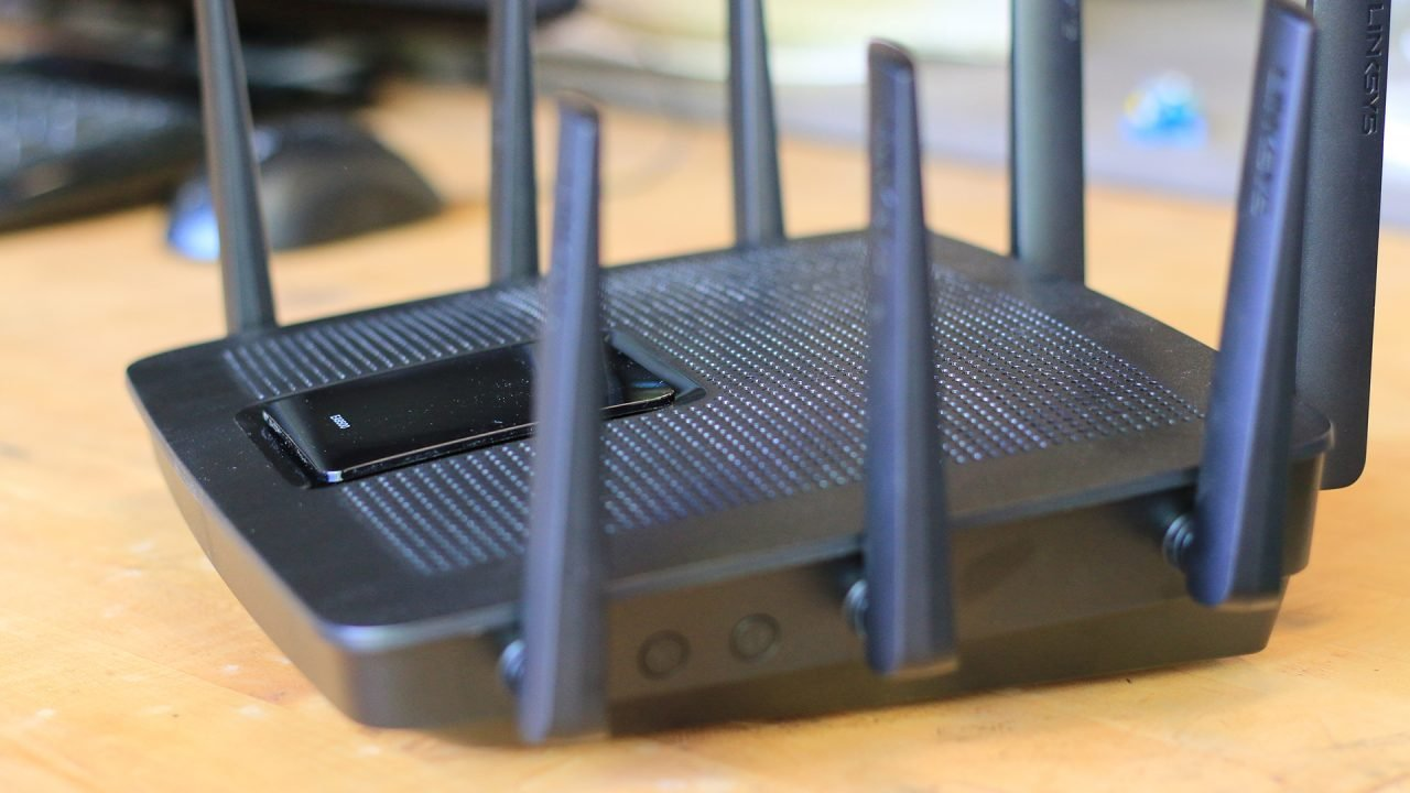 Linksys EA9500 MU-MIMO Router (Hardware) Review 5