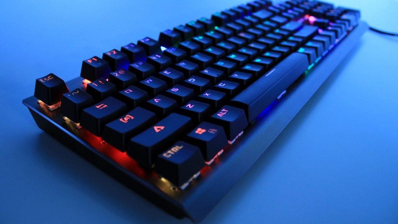 Motospeed CK108 Mechanical Keyboard (Hardware) Review 3
