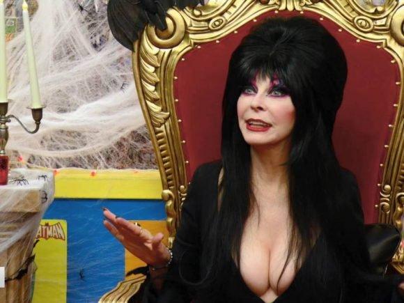 AMC's Comic Book Men: Elvira Visits S6 Ep2