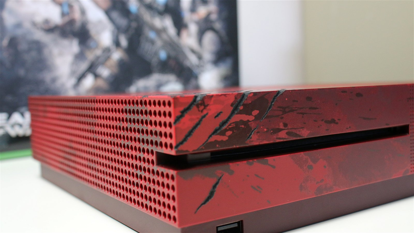 Unboxing the Gears of War 4 Xbox One S 9