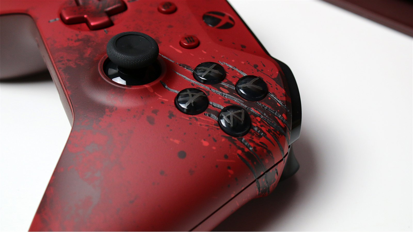 Unboxing the Gears of War 4 Xbox One S 10