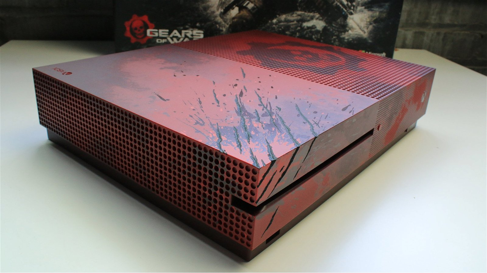 Unboxing the Gears of War 4 Xbox One S 5