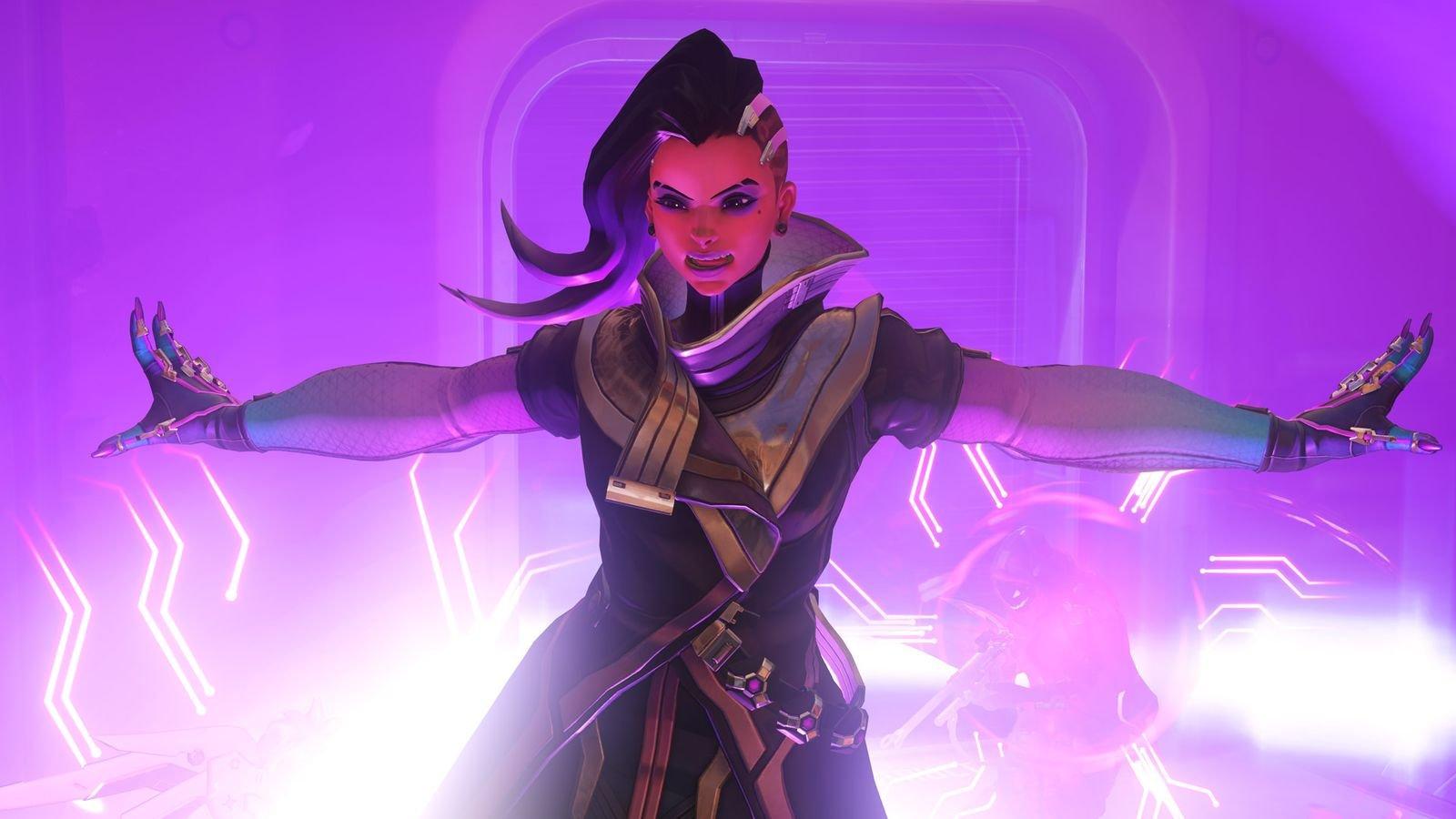 BlizzCon 2016: Overwatch's Sombra Unveiled 1