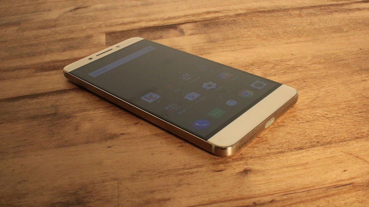 LeEco LE Pro3 (Smartphone) Review 6