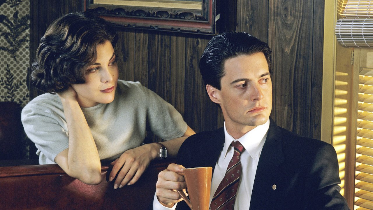 Twin Peaks revival premieres May 21st on Showtime