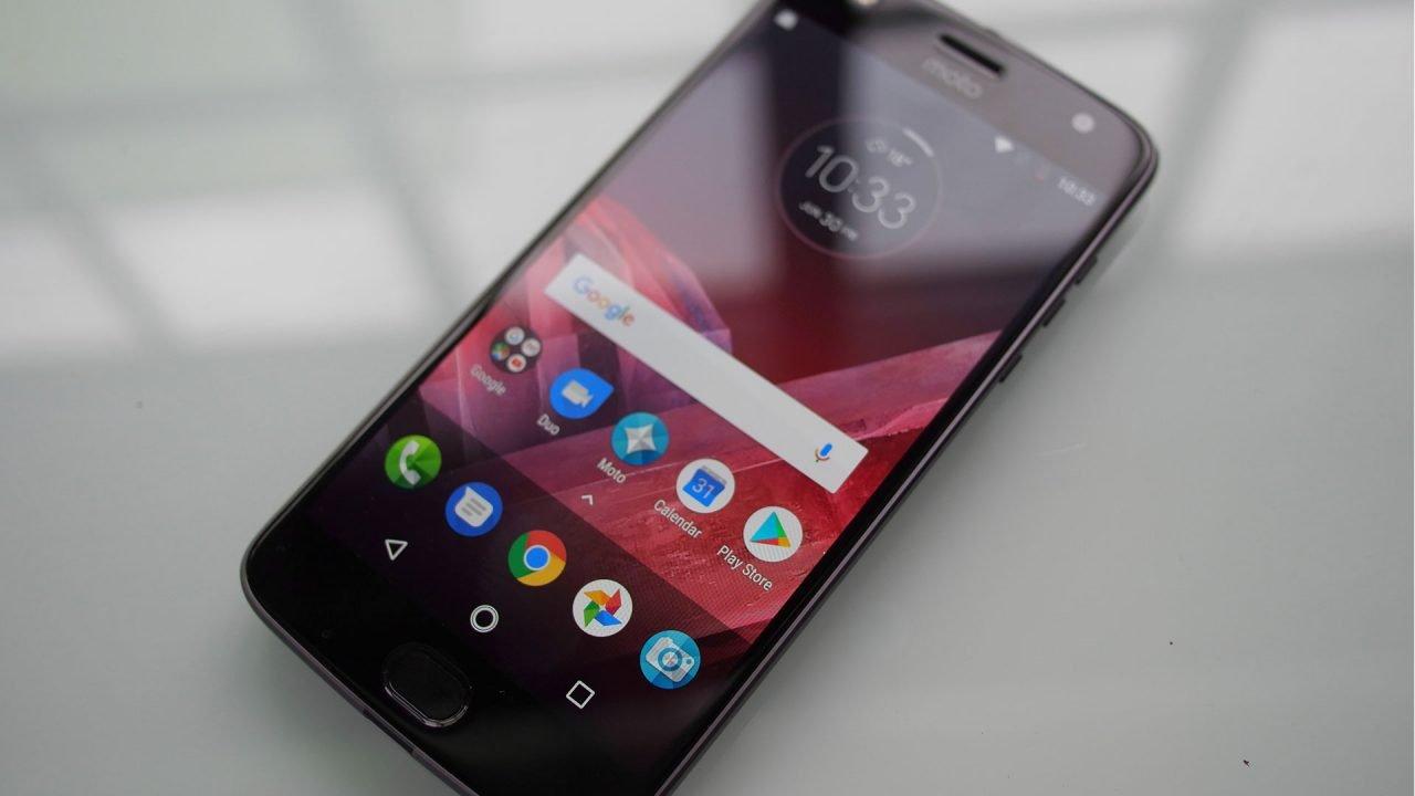 Motorola Moto Z2 Review 1