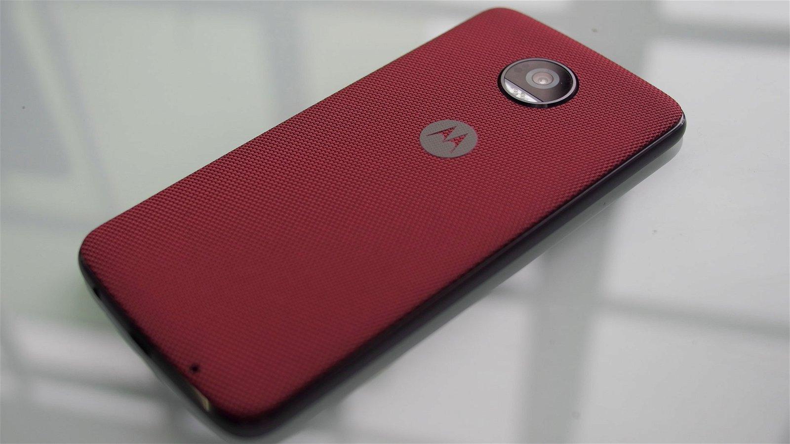 Motorola Moto Z2 Play (Smartphone) Review 2