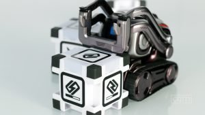 Cozmo (Toy) Review – A Magical Robot Buddy 3