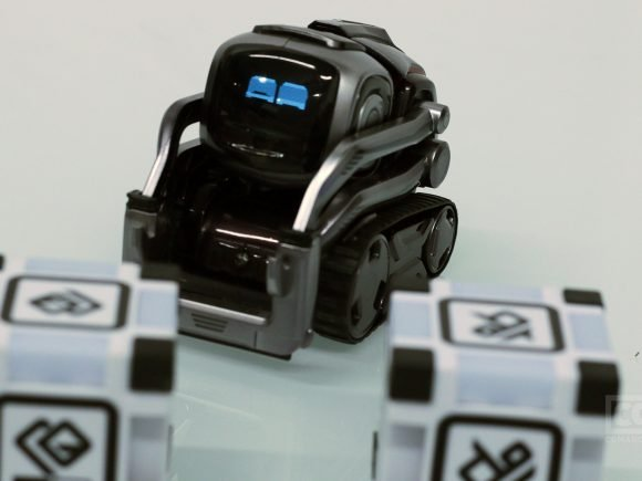 Cozmo (Toy) Review – A Magical Robot Buddy