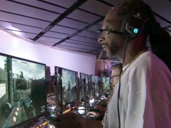 Join Snoop Dogg on Twitch While He Streams SOS