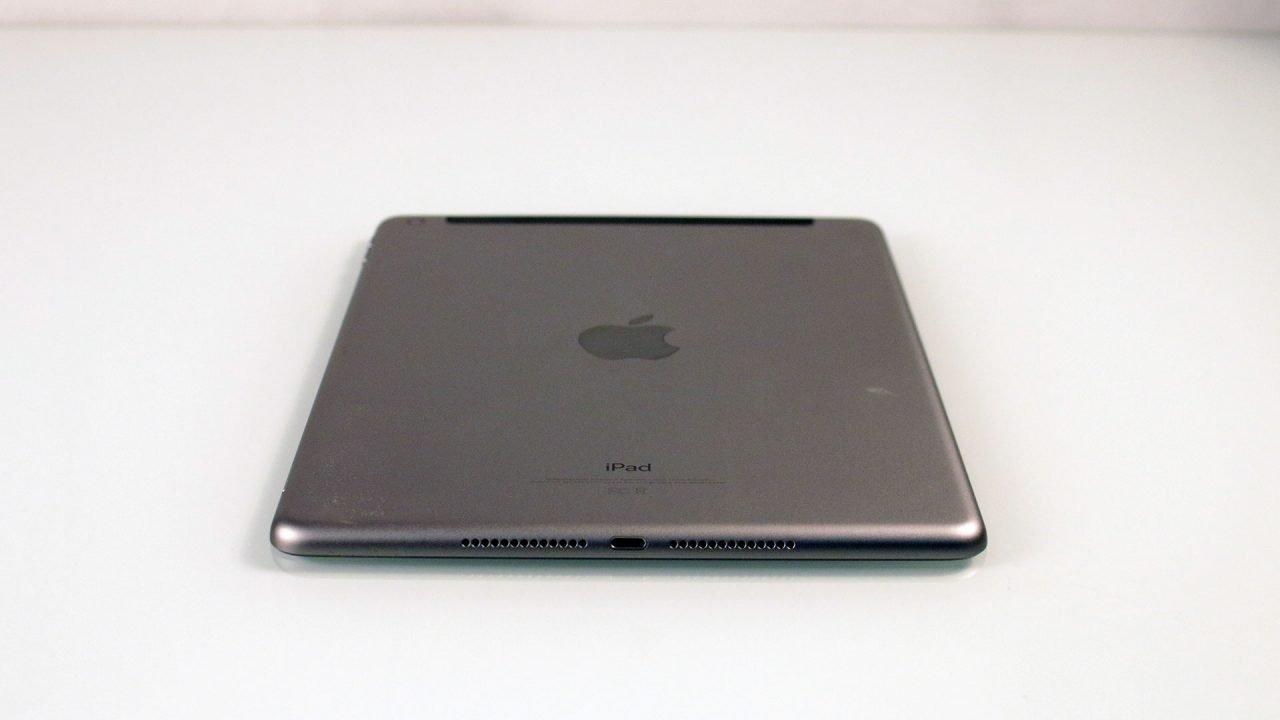Apple Ipad 2018 (Hardware) Review 3