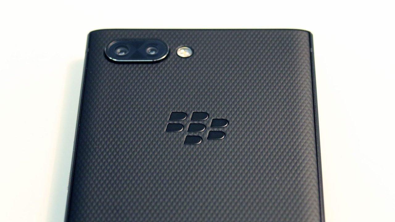 Blackberry Key 2 (Smartphone) Review 6