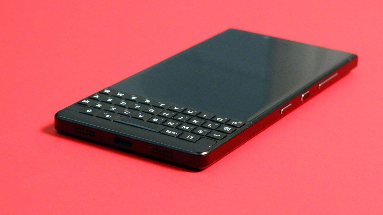 Blackberry Key 2 (Smartphone) Review 7