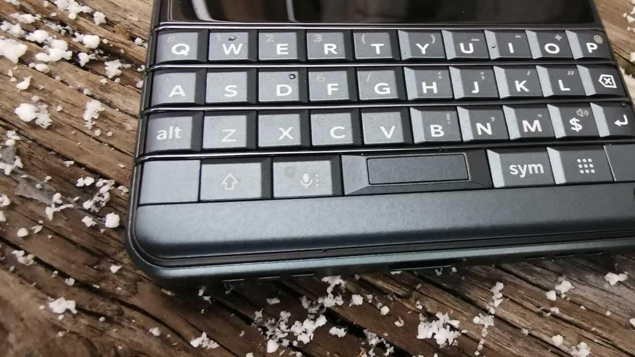 Blackberry Key2 Le Review 2