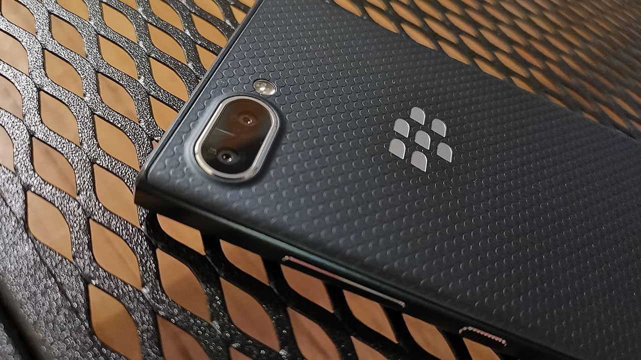 Blackberry Key2 Le Review 3