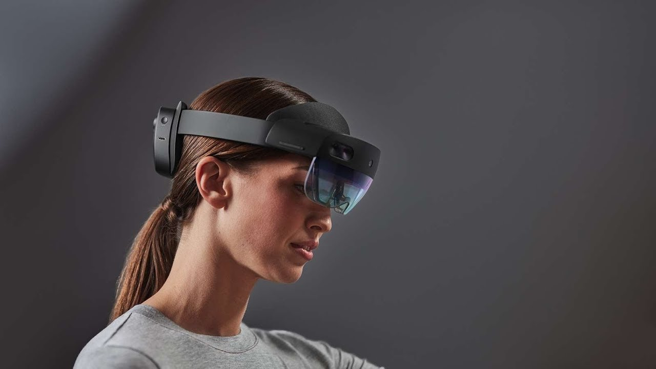 Microsoft's AR HoloLens 2 Reached the Market, and They Cost a Lot of Money