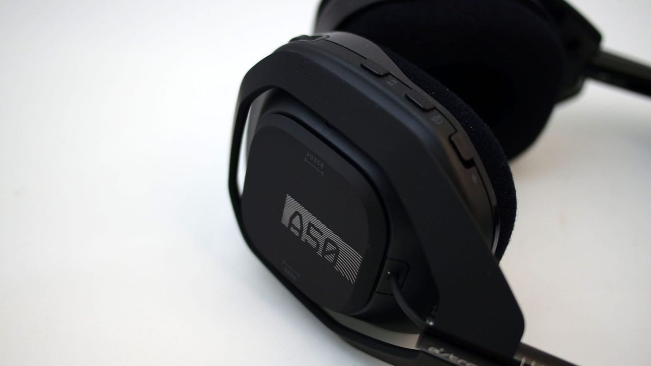 Astro A50 Headset + Base Station (Hardware) Review 8