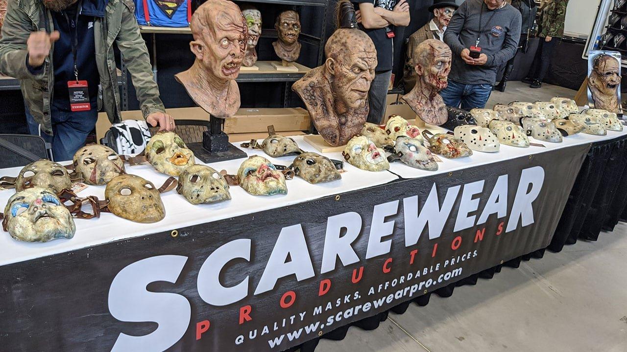 Horror Fans Descend Onto Niagra