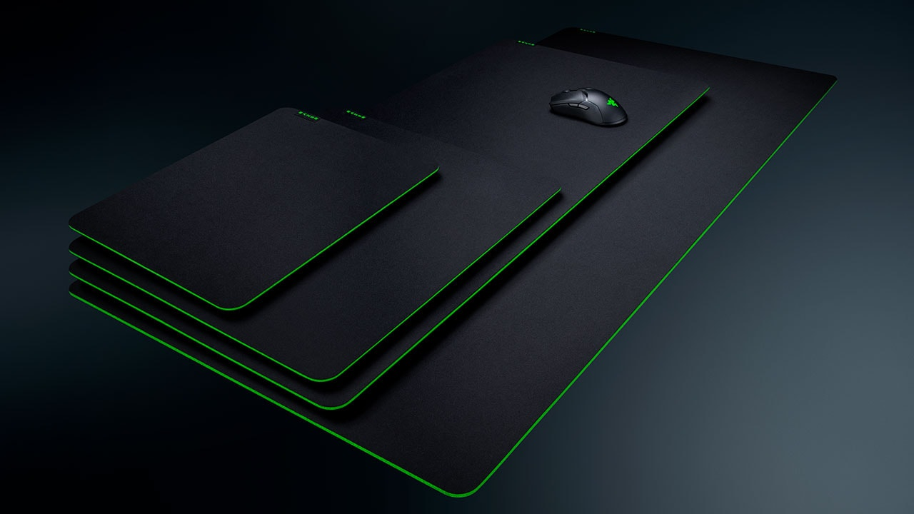Razer Expand Mouse Mat Family With Gigantus V2 1