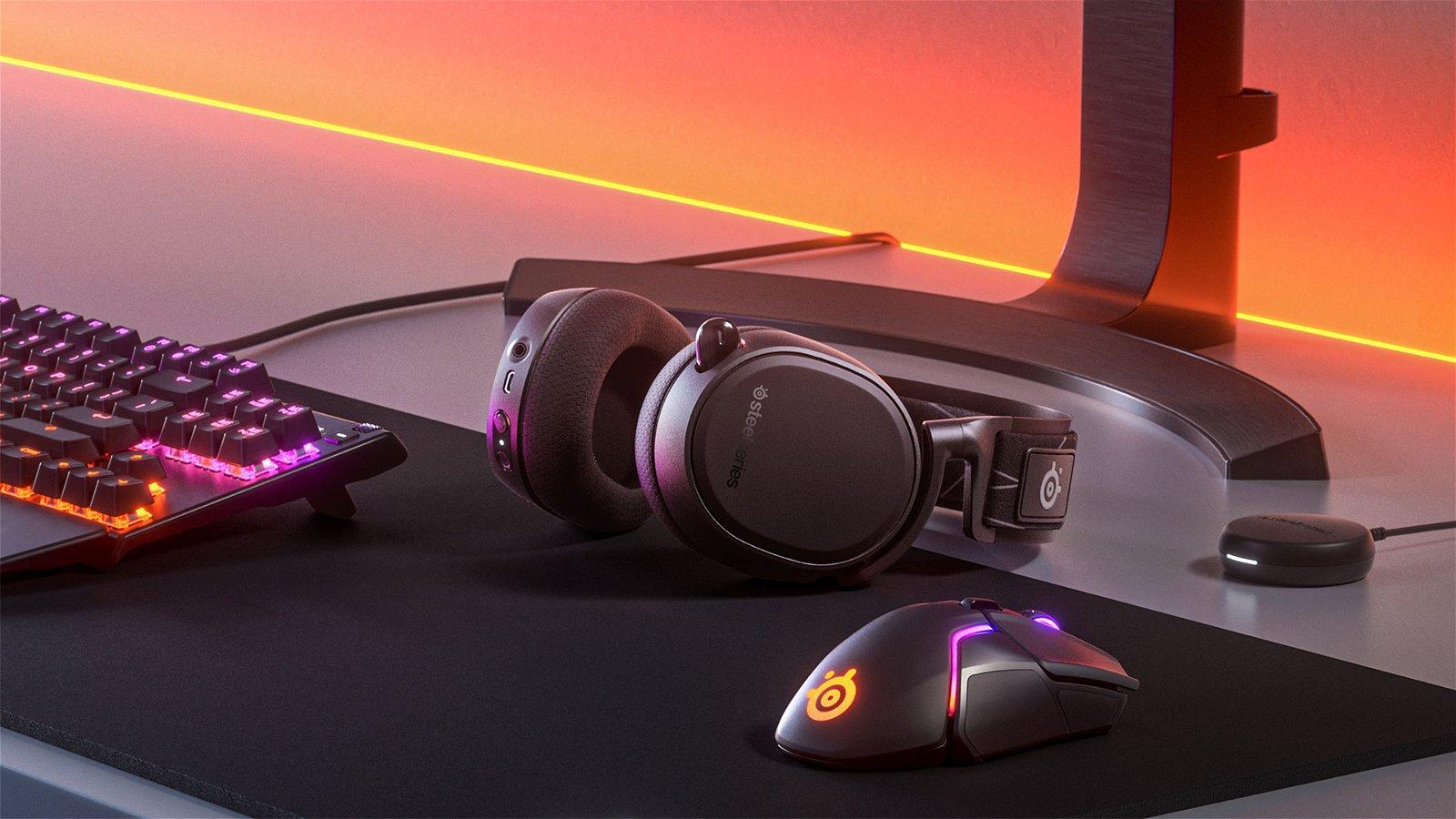 SteelSeries Arctis 9 Wireless Headphone Review 5