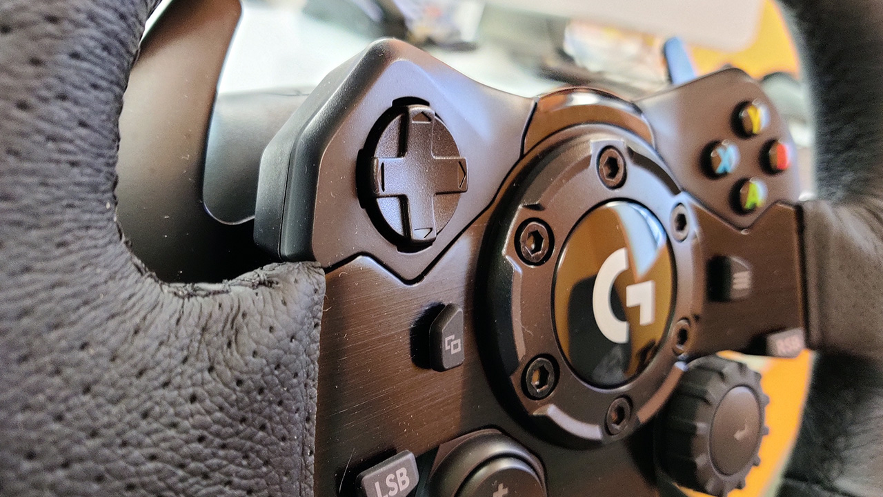 Logitech G923 Racing Wheel Review