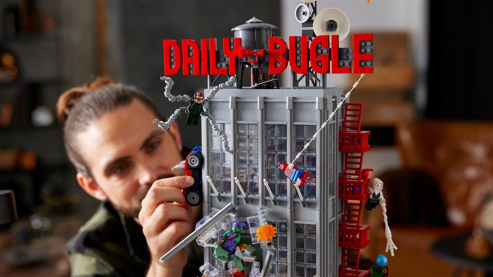 3772-Piece LEGO Set Brings the Daily Bugle to Life 2