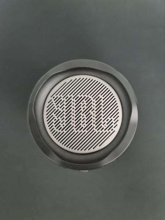 Jbl Pulse 4 Portable Bluetooth Speaker Review 11