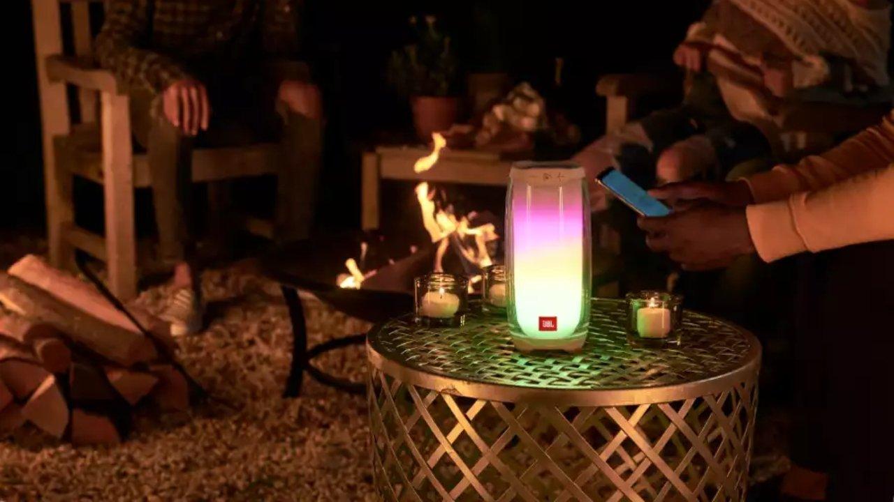 Jbl Pulse 4 Portable Bluetooth Speaker Review 1