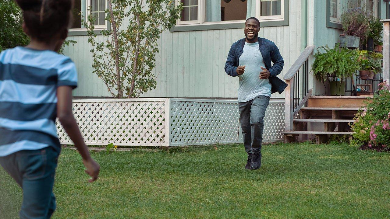 Fatherhood (2021) Review 3