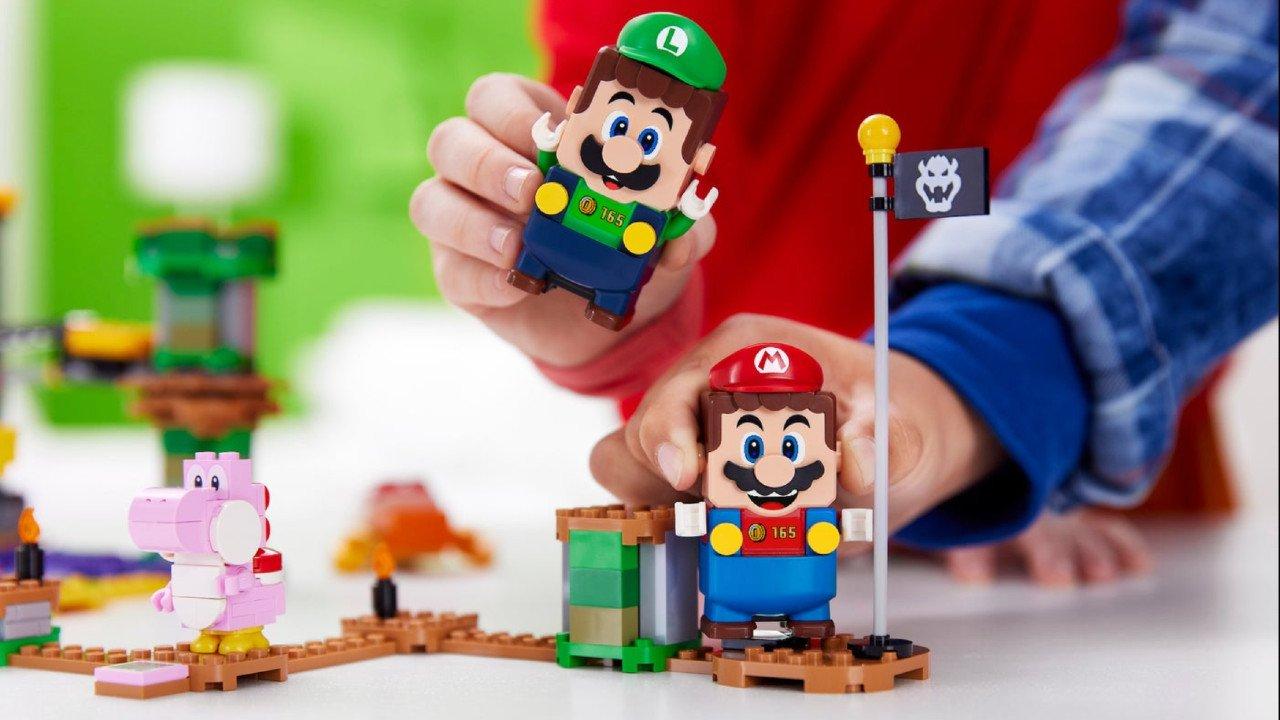 LEGO Luigi Starter Kit will Introduce Co-op to LEGO Mario
