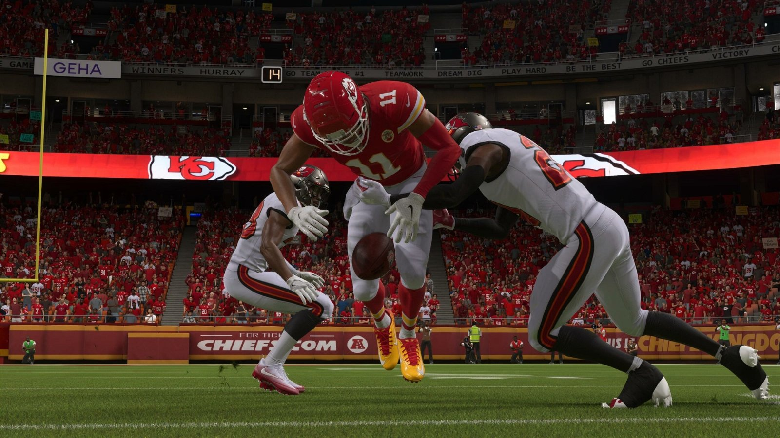 Madden NFL 22 (Xbox One) Review 1