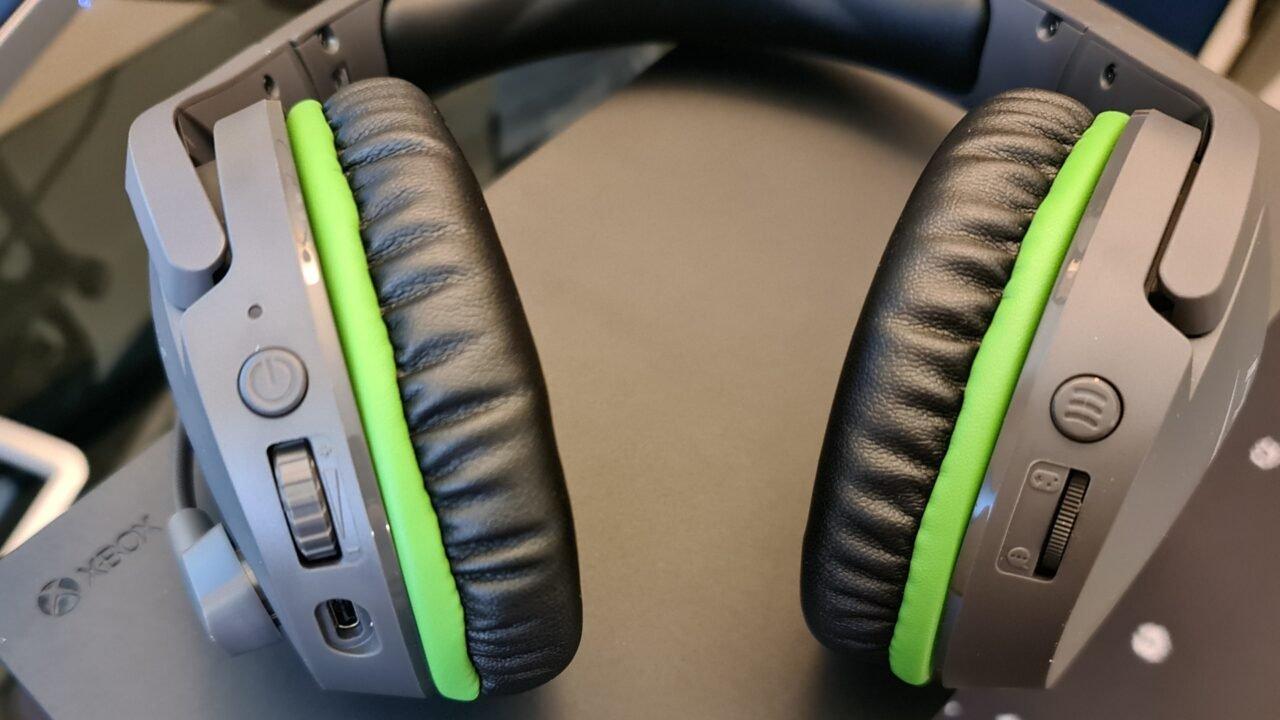Hyperx Cloudx Stinger Core Wireless Headset Review 6