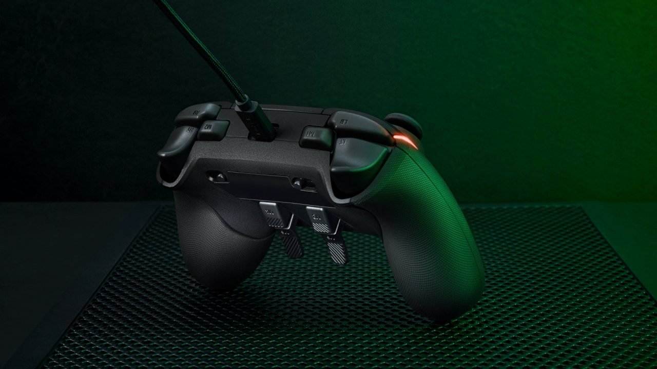 Razer Wolverine V2 Chroma Wired Gaming Controller For Xbox Review 5
